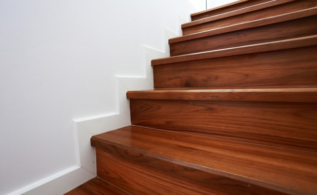 canstockphoto21941308_stairs3